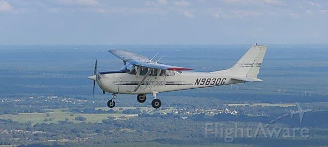 Cessna Skyhawk (N9830G)