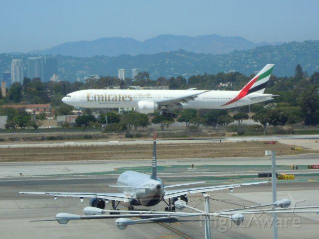 BOEING 777-300 — - EMIRATES UAE 777-300 LAX