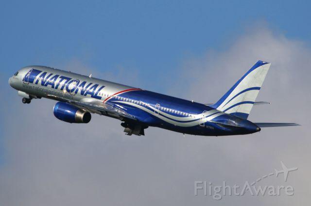 Boeing 757-200 (N176CA)