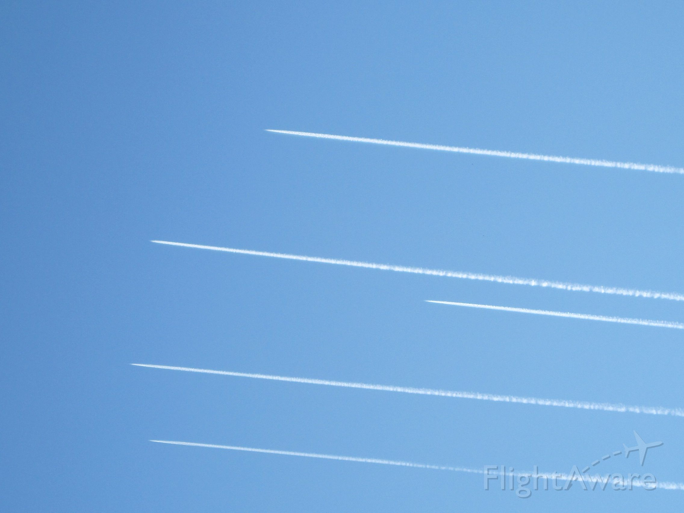 — — - I shot this from Northeastern Tennessee about 3 to 3:30 p.m. I believe, Saturday October 13 2012.  Thought it was an interesting formation, don't know who it was, but interesting nonetheless.