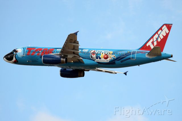 "Airbus A320 (PT-MZN) - MOVIE ""BLUE"""