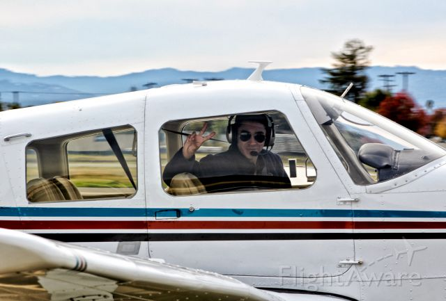 Piper Cherokee Arrow (N423CC) - My brother taxing back to the hangar at Reid Hillview.