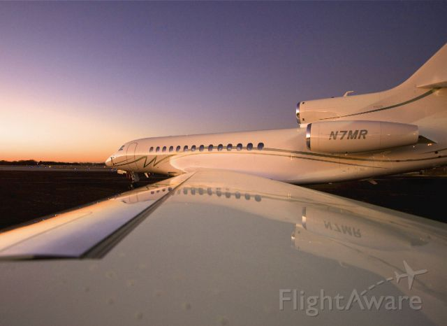 Dassault Falcon 7X (N7MR) - Could not resist missing the opportunity...