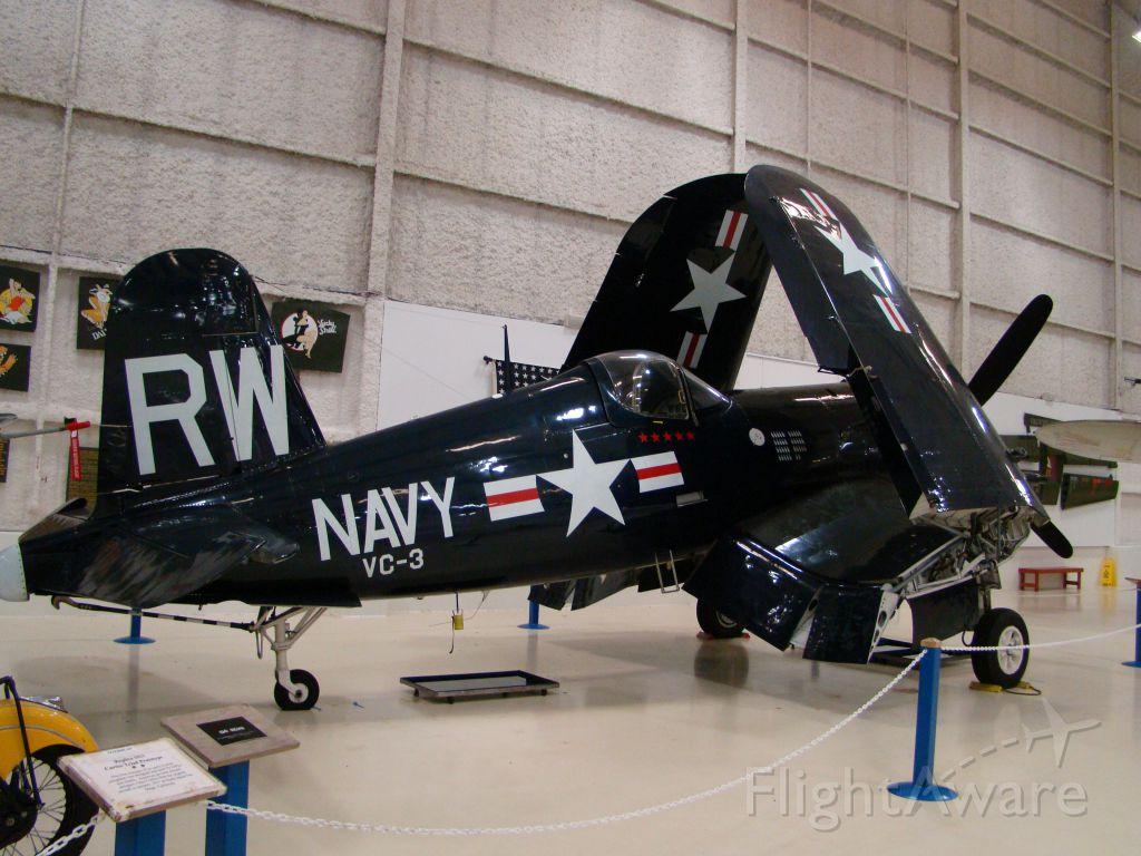 — — - Corsair F4U Lone Star Museum