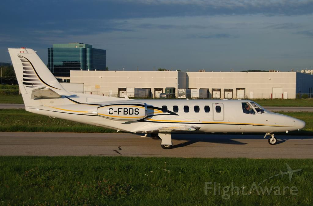 Cessna Citation II (C-FBDS) - Citation S550 taxiing Buttonville Airport(Toronto) after an all night flight from Vancouver Aug 12 2013.
