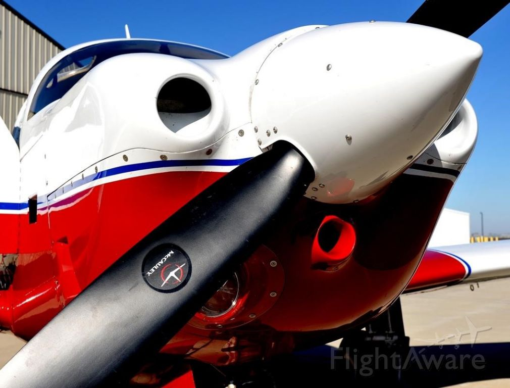 Mooney M-20 (N201CN) - Pulling the beast out of the hangar. LoPresti Mods