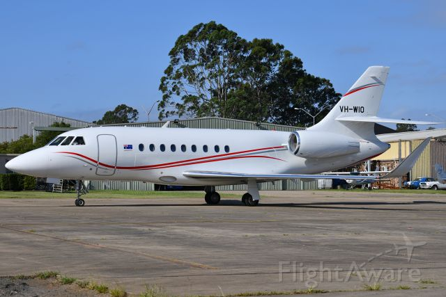 Dassault Falcon 2000 (VH-WIO) - Every time a Falcon pulls over next to you it's an incredible feeling.