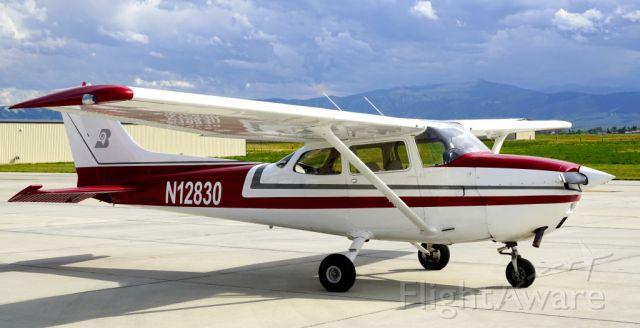 Cessna Skyhawk (N12830)