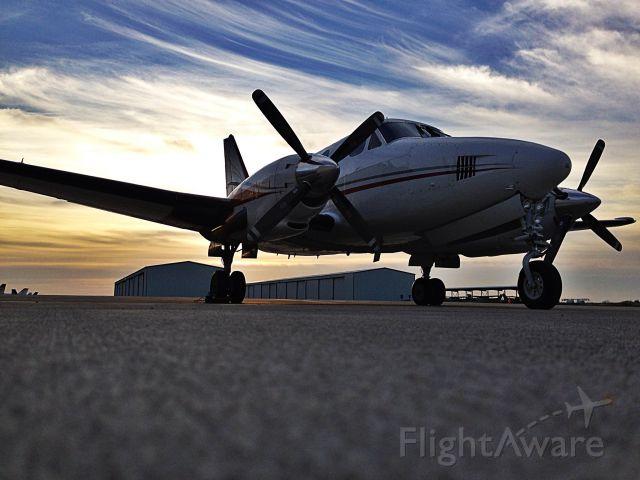 Beechcraft King Air 100 (N98TA)