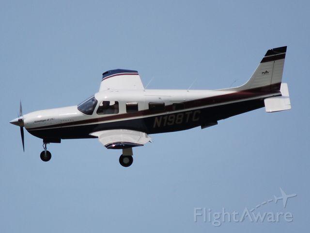 Piper Lance 2 (N198TC) - Making a short approach to runway 20 KJQF - 6/9/09