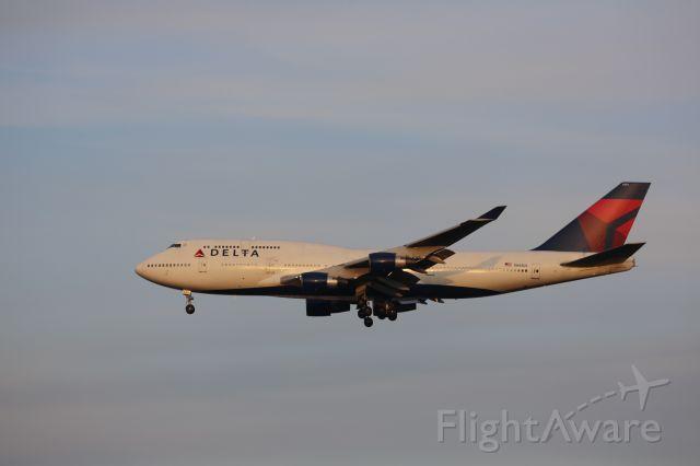 Boeing 747-400 (N661US)