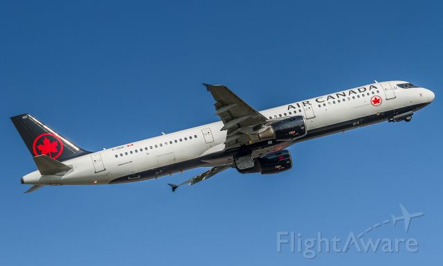 Airbus A321 (C-GIUF) - ACA785 cleans up and heads off to Los Angeles