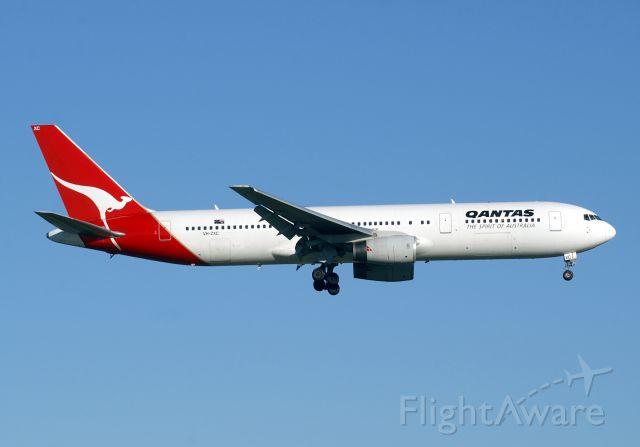 BOEING 767-300 (VH-ZXC)
