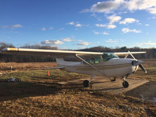 Cessna Skyhawk (N6835H)