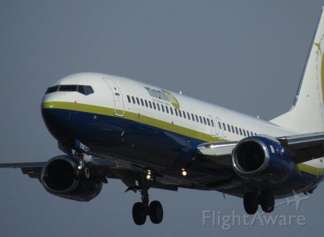 Boeing 737-800 (N739MA)