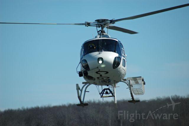 Eurocopter AS-350 AStar (C-GRPY) - 1987 Aerospatiale AS350 B2 AStar (C-GRPY/2032) arriving and landing on Feb 25, 2021