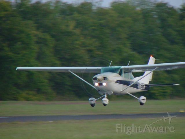 Cessna Skylane (N93TH) - 1977 Cessna 182Q taking off.