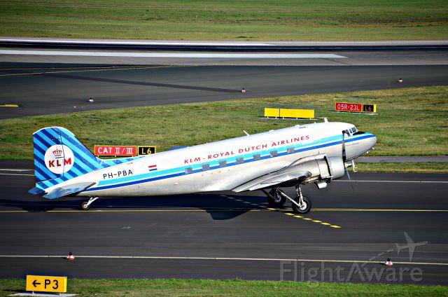 Douglas DC-3 (PH-PBA)