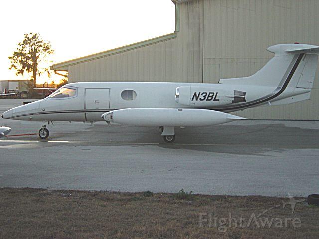 Learjet 23 (N3BL)