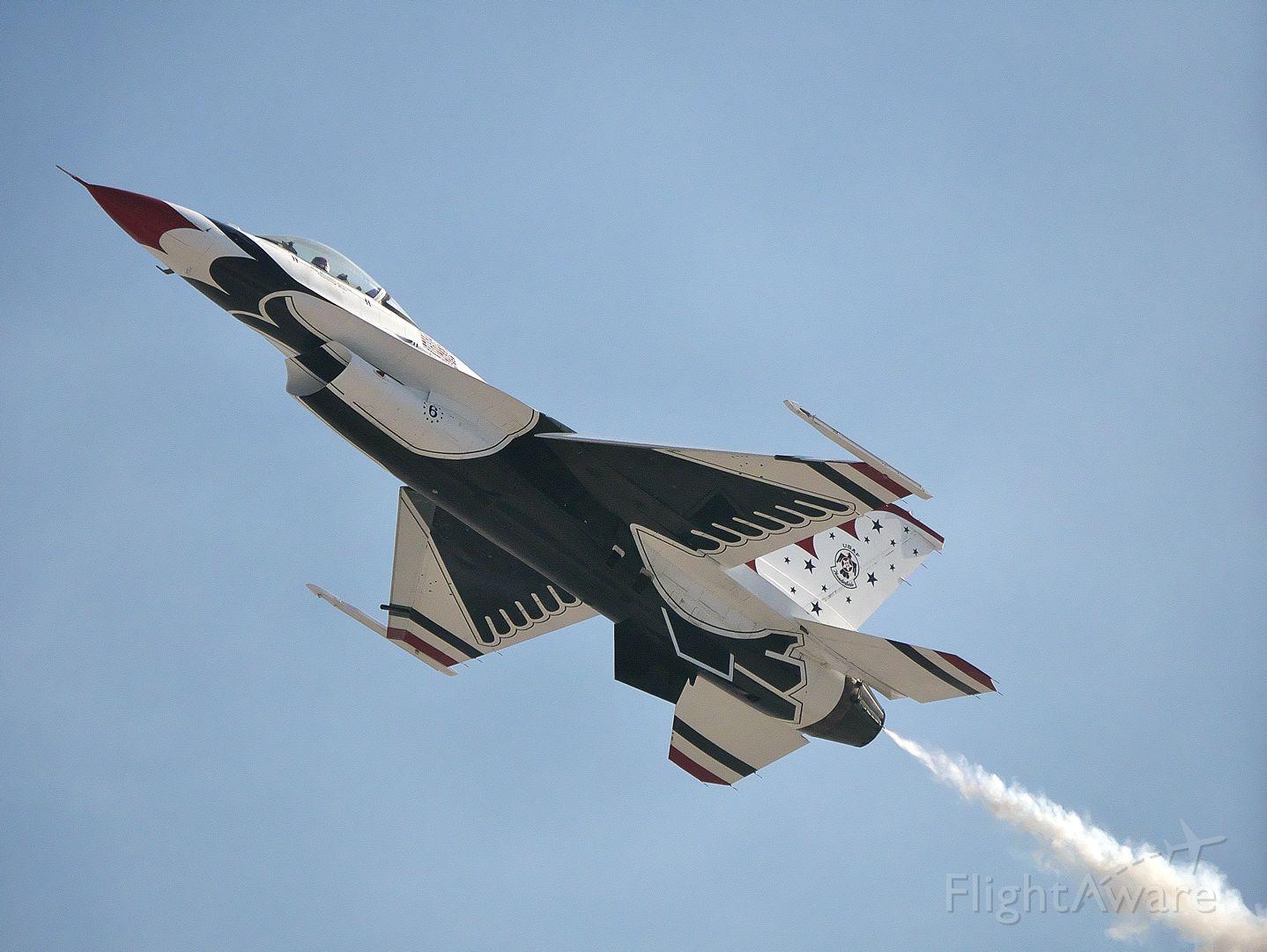 Lockheed F-16 Fighting Falcon — - Thunderbird 6 at Aviation Nation 2019.