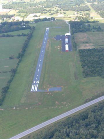 — — - Aurora Municipal Airport (2H2)  Aurora, Missouri