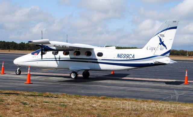 Cessna 402 (N699CA)