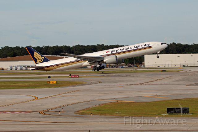 BOEING 777-300ER (9V-SWE)