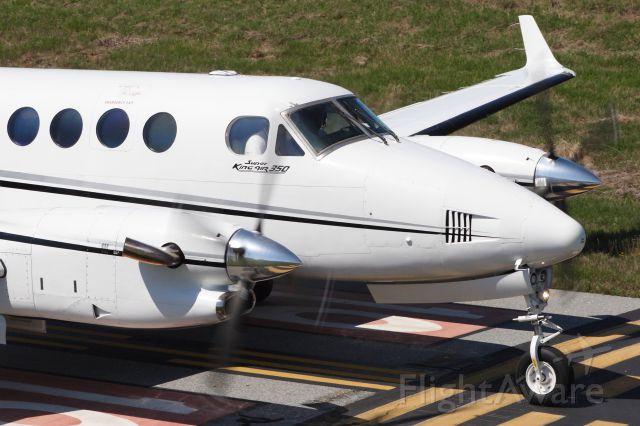 Beechcraft Super King Air 350 (N8080Q)