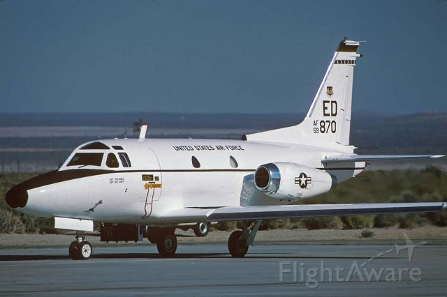 59-2870 — - North American Rockwell T-39A-1-NA Sabreliner 59-2870 of the 412th Test Wing at Edwards Air Force Base on October 18, 1999.