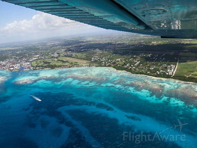 Cessna Skylane (N1967X) - Amazing take-off at St François, Guadeloupe (FWI)