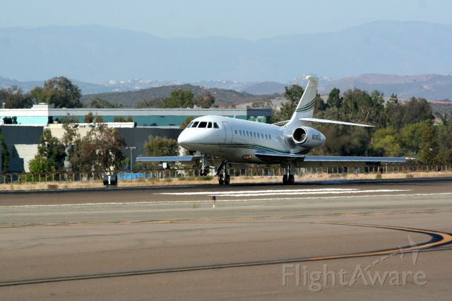 Dassault Falcon 2000 (N196RG)
