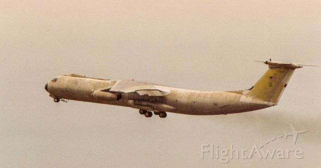 Lockheed C-141 Starlifter — - No paint!