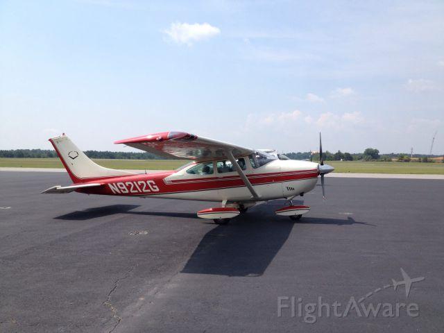 Cessna Skylane (N9212G)
