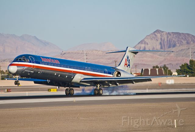 McDonnell Douglas MD-82 (N7547A) - American Airlines N7547A landing at McCarran.