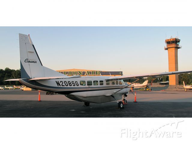 Cessna Caravan (N208SG) - MILLION AIR offers a great service on the KHPN airport!