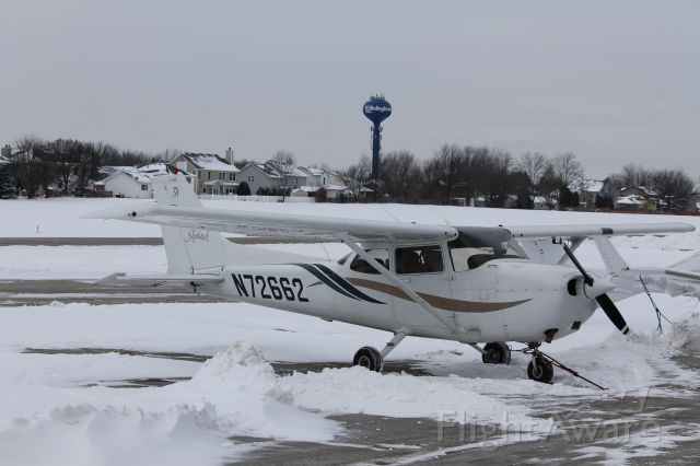 Cessna Skyhawk (N72662) - Grounded for the day