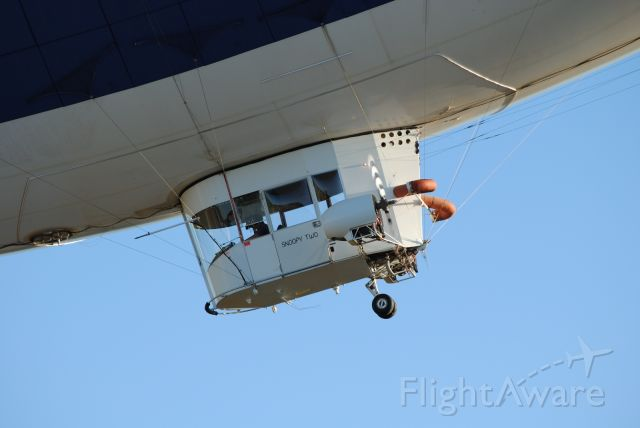 "N615LG — - MetLife ""Snoopy Two"" Swooping in for a landing"