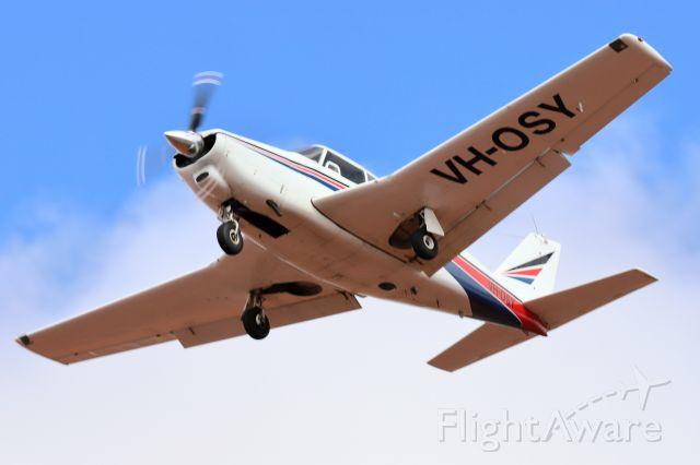 Piper PA-24 Comanche (VH-OSY)