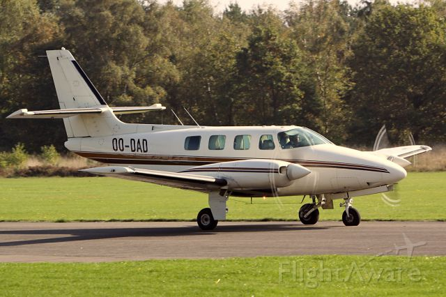 Cessna T303 Crusader (OO-DAD) - http://www.airframes.org/ ENTER OO-DAD FOR REGISTRATION.