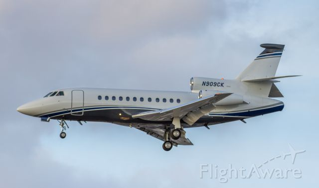 Dassault Falcon 900 (N909CK) - CEB Aviation LLC.