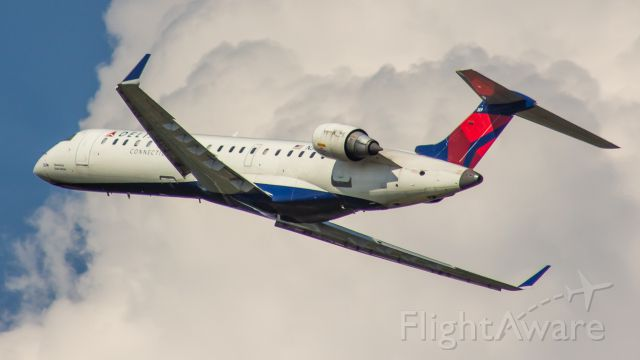 Canadair Regional Jet CRJ-700 (N369CA) - Delta CRJ7 with a nice bank after departing runway 36R at CVG