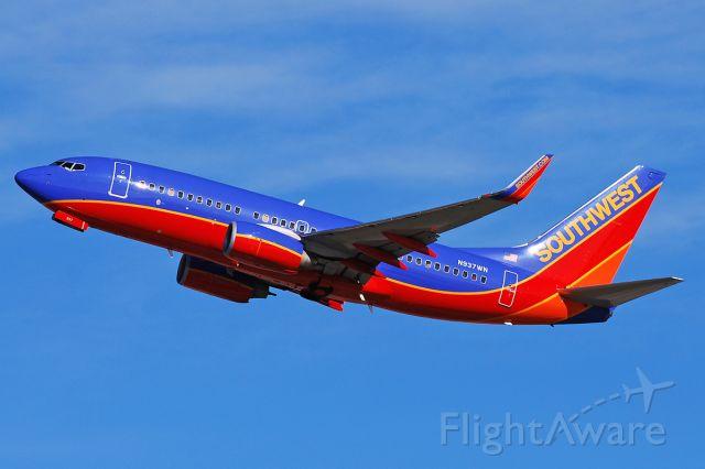BOEING 737-300 (N937WN) - Boeing 737-7H4(c/n 36644/2925). October 31, 2010.