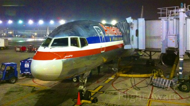 Boeing 757-200 (N693AA) - cancelled flight after a lightningstorm.
