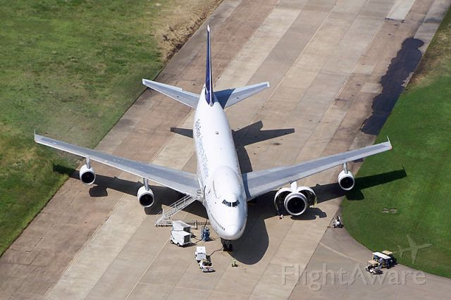Boeing 747-200 (N787RR) - Rolls-Royce testbed aircraft for the Trent 1000 (787 engine).  Final preparations before its maiden test flight. (Taken June 18, 2007)