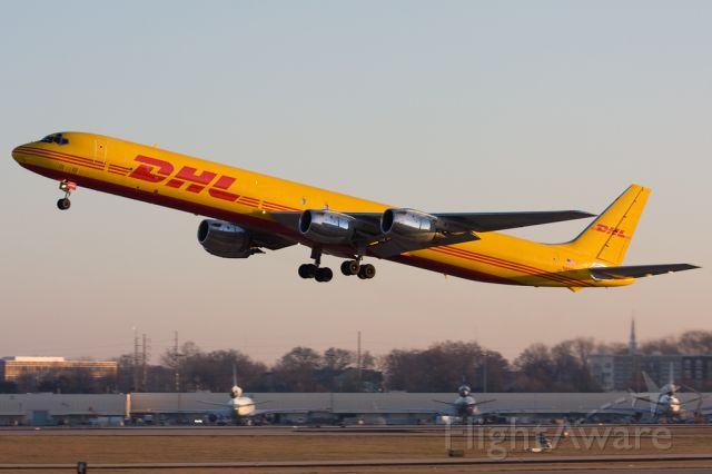 McDonnell Douglas DC-8-70 (N805DH) - DHL510 to Orlando (MCO).