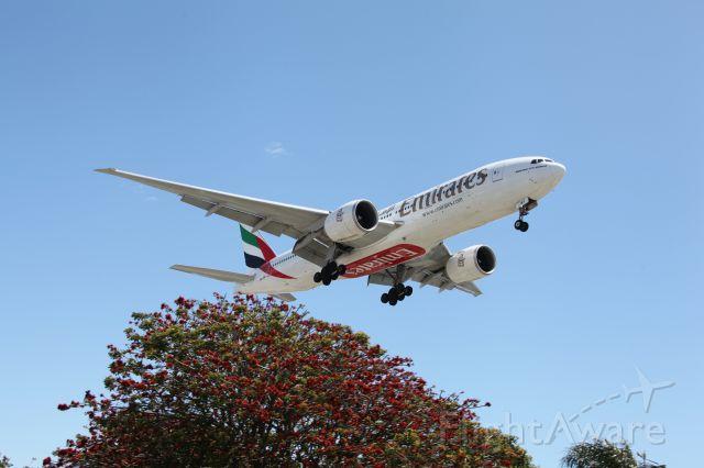 BOEING 777-200LR —