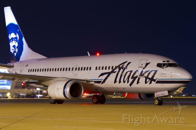 Boeing 737-700 (N623AS) - Nov. 11, 2011.