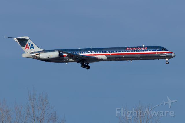 McDonnell Douglas MD-82 (N501AA) - 13.01.2018