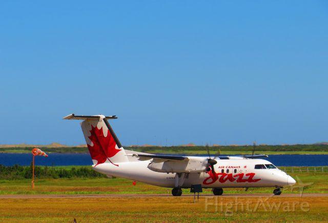 de Havilland Dash 8-100 (C-GONX) - CGONX taxiing at Îles de la Madeleine airport (CYGR)