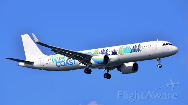 Airbus A321 (N925VA)